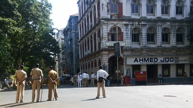 Police bandobast for President's visit to Gateway of India, to felicitate Lt Abhilash Tomy