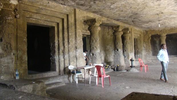 Mandapeshwar Caves, Borivli