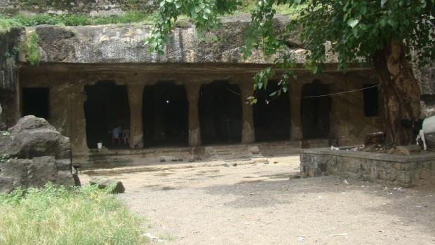 Entrance to Shiv Temple, Mandapeshwar Caves, Borivli