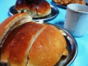 brun-maska at Yazdani Bakery