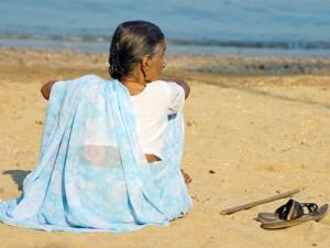 senior_citizen alone in mumbai
