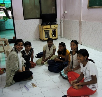 Rayna and her students at the orphanage