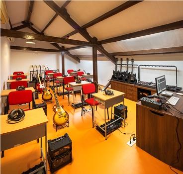Music Classroom Guitar-Bass-classroom-at-TSM