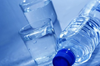 drinking water in winter
