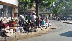 Roadside businesses in Mumbai