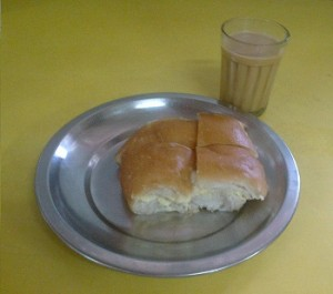 Irani Chai n Bun Maska, Cafe Colony