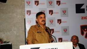 Javed Ahmed, Mumbai Police Commissioner, unveils security gadget for women